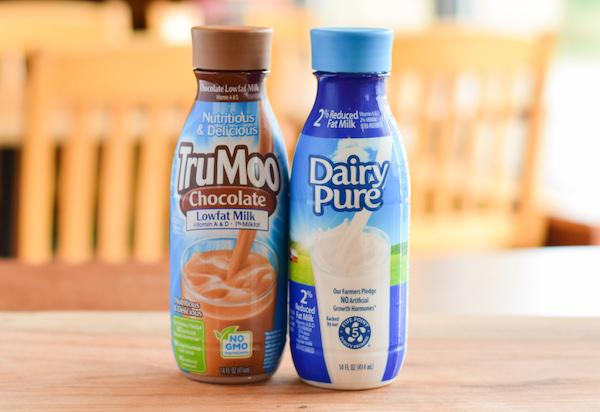 Davanni's carries chocolate and white milk.